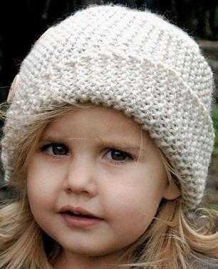 Две замечательных детских шапочки для мальчика и девочки