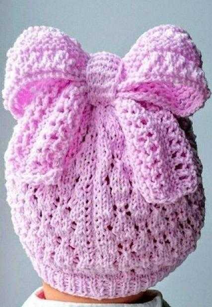 Детская шапочка, связанная ажурной вязкой