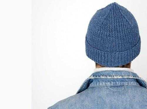 Вяжем модную шапочку Кусто спицами