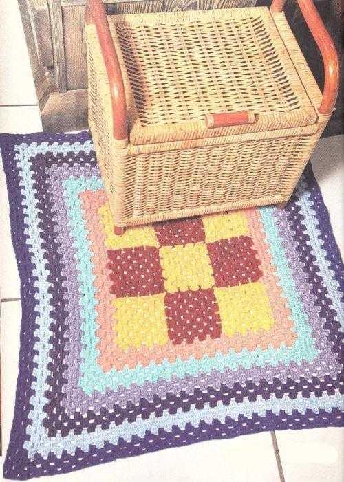 kovrik krjuchkom babushkin kvadrat - Вязаные коврики крючком со схемами простые и красивые