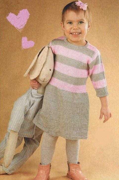 plate dlja devochki 2 goda spicami - Вязаные спицами платья для девочек