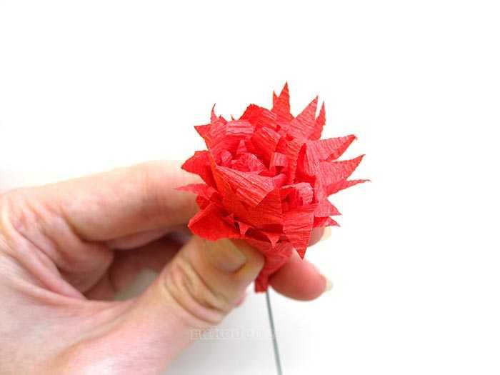 Как сделать гвоздику из бумаги своими руками