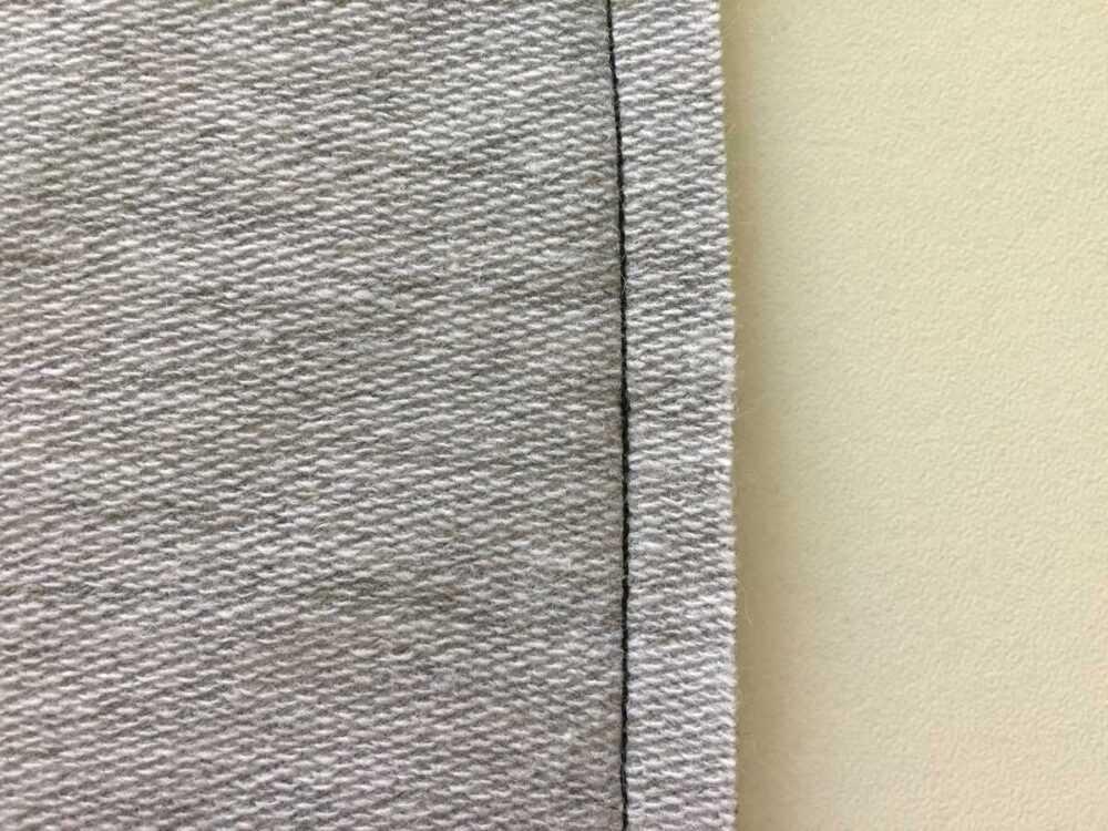 Прямая строчка с лапкой для трикотажа