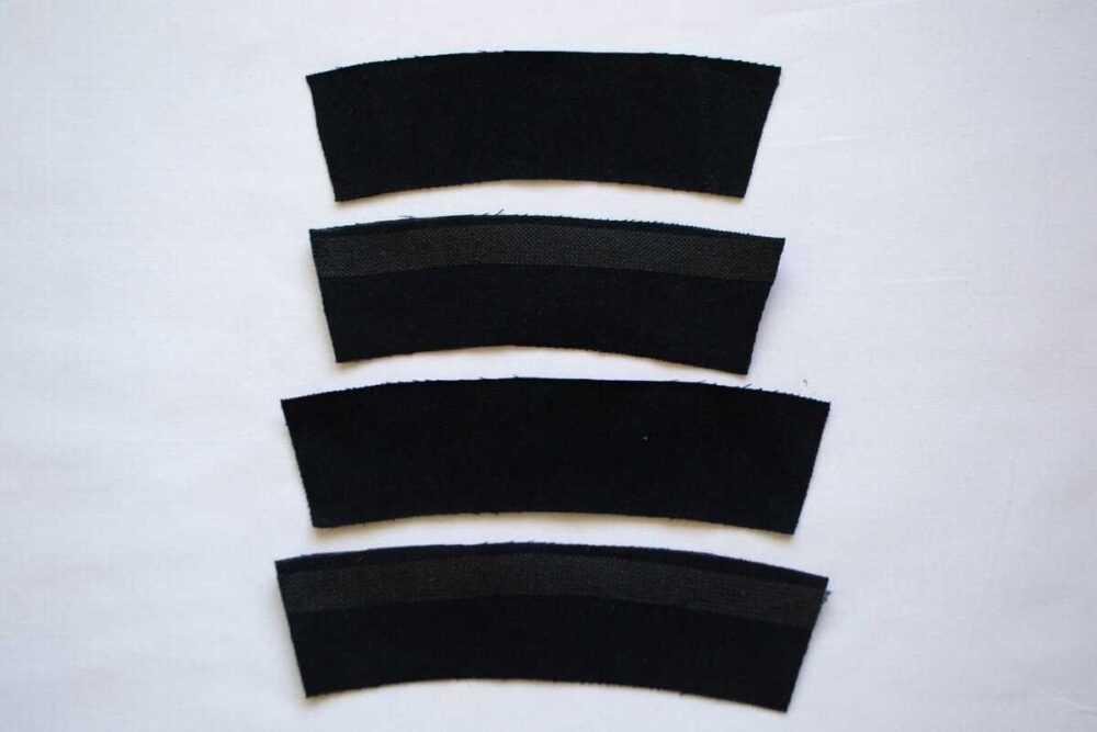 Детали поменьше — обтачки передних половинок брюк, побольше — задних.