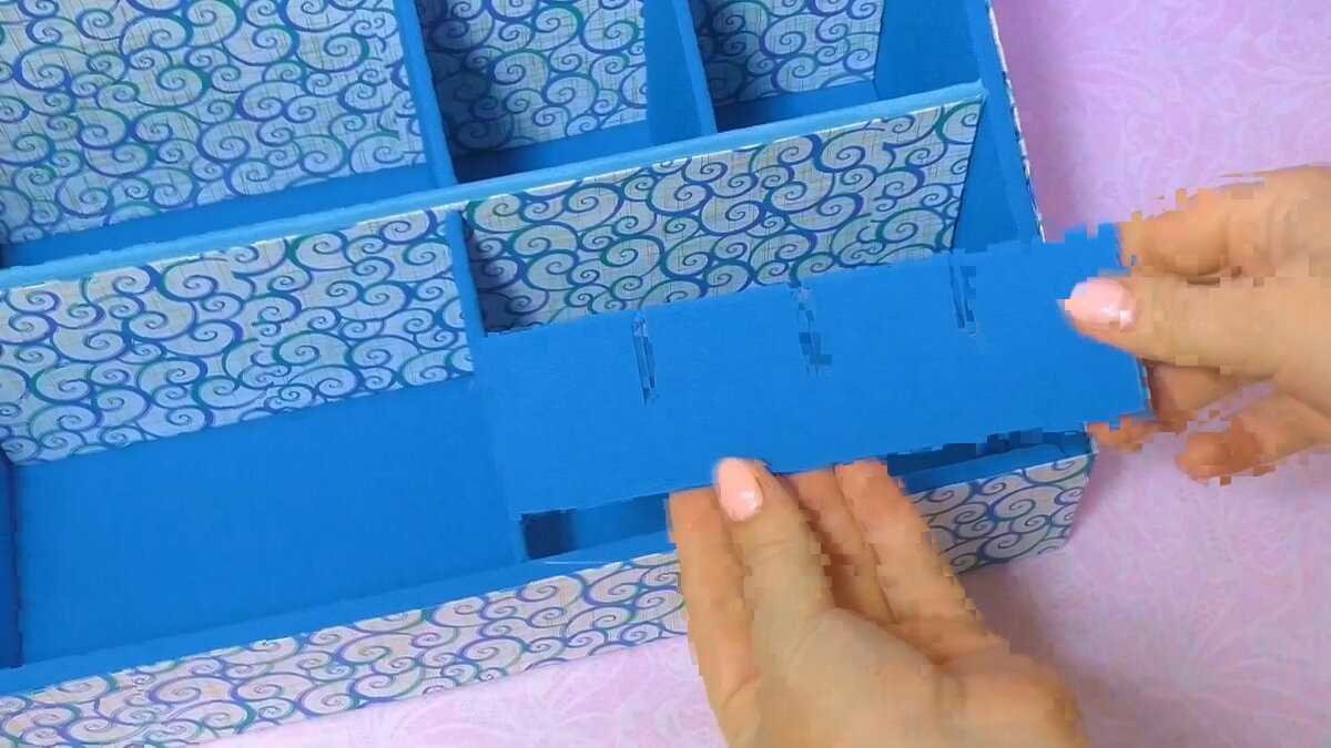 Как сделать ОРГАНАЙЗЕР из картона и ткани. Много места для канцелярских принадлежностей.