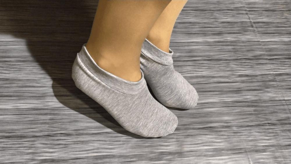 Следки из остатков трикотажной ткани: как сшить за 15 минут