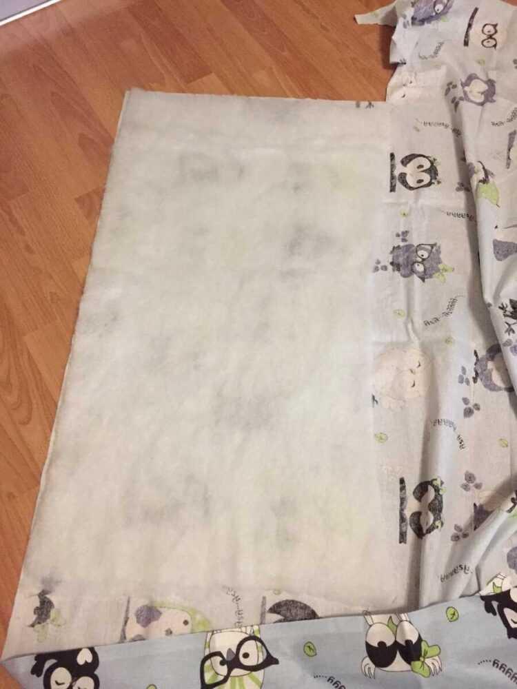 Наложила синтепон на первую расцветку ткани, у меня бязь
