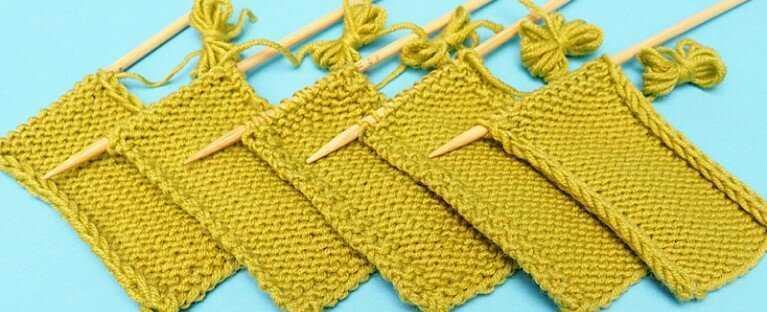Разные способы вязания кромочной петли приводят к разному виду кромочного края
